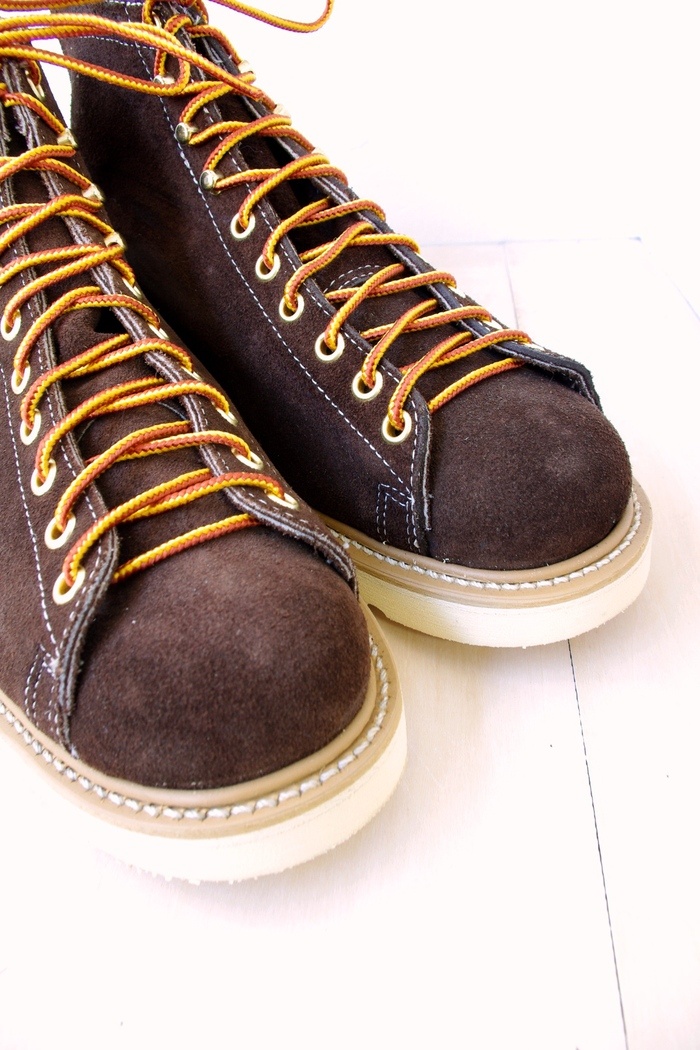 "Brand; Thorogood Model; Roofer Boots Suede Price; ¥23100 ""SOLD OUT"""