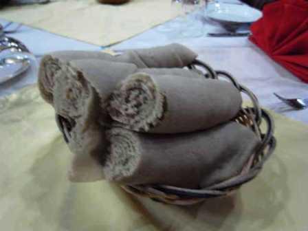 エチオピア(22) エチオピア料理の夕食_c0011649_0163757.jpg