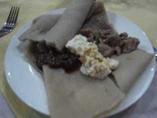 エチオピア(22) エチオピア料理の夕食_c0011649_017245.jpg