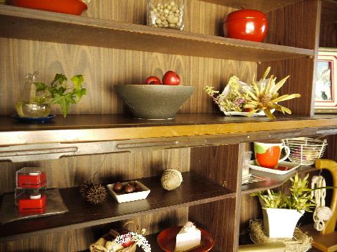 100均でクリスマス飾り & 古い食器棚の利用法・・・_e0086864_23382630.jpg