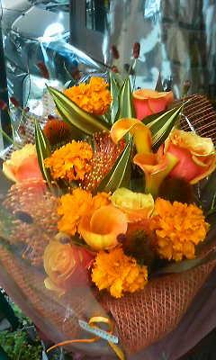 オータムオレンジの花束_c0137266_2375681.jpg