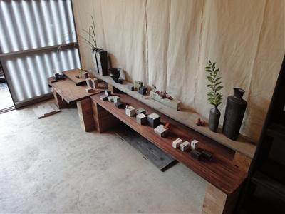 陶芸作品の展示リハーサルをしました。_c0128375_14585382.jpg