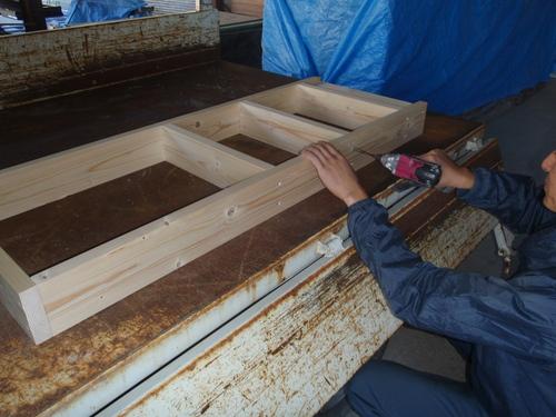 おなじみの木製什器はもちろん手作り!!_b0201492_15584664.jpg