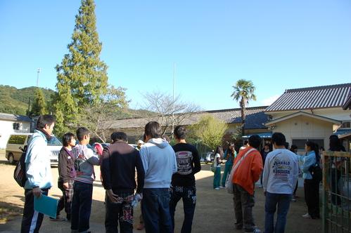 岬高校「MISAKIプロジェクト2010」;孝子の森植樹サポート_c0108460_1822190.jpg