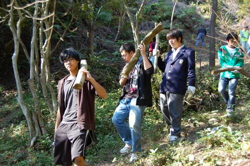 岬高校「MISAKIプロジェクト2010」;孝子の森植樹サポート_c0108460_20145187.jpg