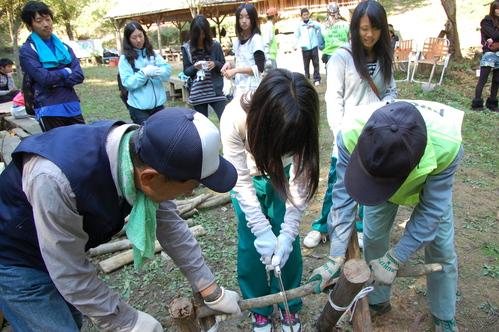 岬高校「MISAKIプロジェクト2010」;孝子の森植樹サポート_c0108460_20164456.jpg
