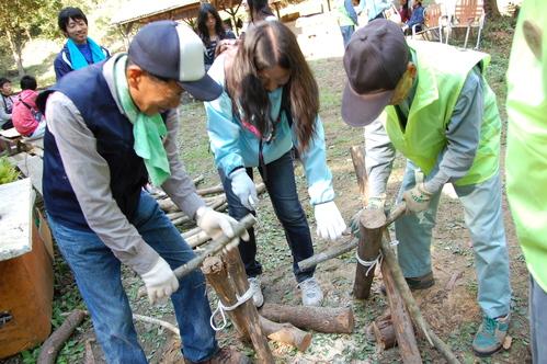 岬高校「MISAKIプロジェクト2010」;孝子の森植樹サポート_c0108460_2016612.jpg