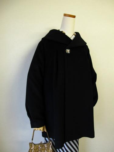 ファーの付け襟コート 「Charade(シャレード)」_e0115399_12511349.jpg