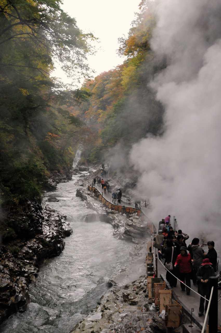 秋田県小安峡の紅葉_a0148206_6514691.jpg