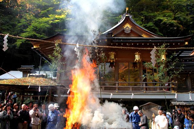 貴船神社 お火焚き祭 2_e0048413_23195735.jpg