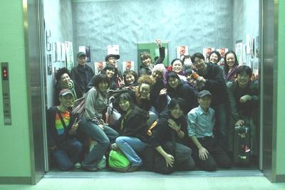 巨大エレベータで幕を閉じたマドの国内巡回公演_d0178431_124457.jpg