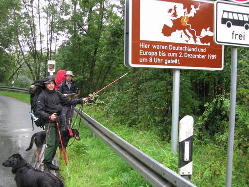 オパの散歩道3 歩いて旧東ドイツまで Jenaを目指して_f0116158_227163.jpg