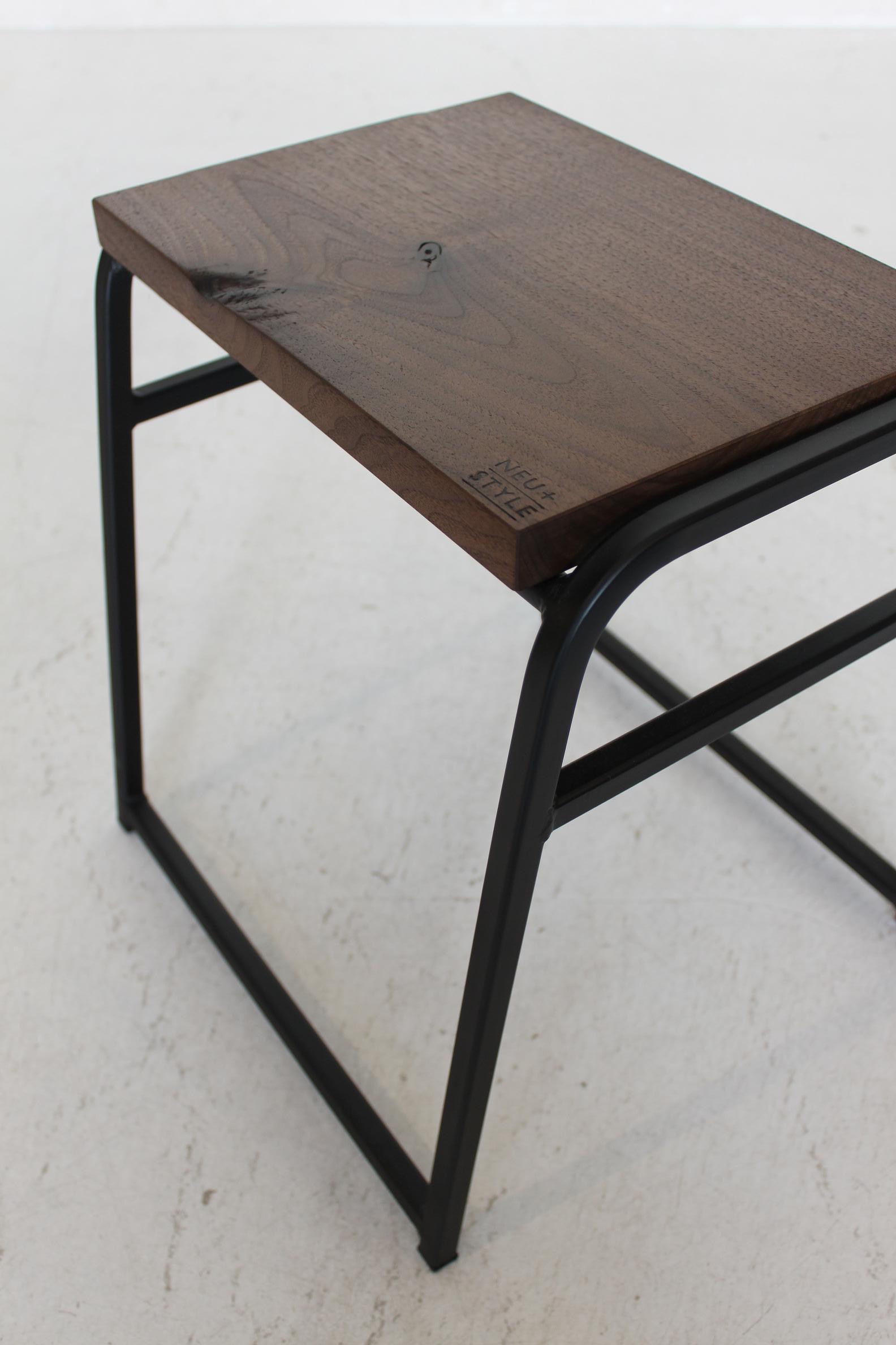 NS DINING TABLE & ANTIQUE STOOL_c0146581_14454228.jpg