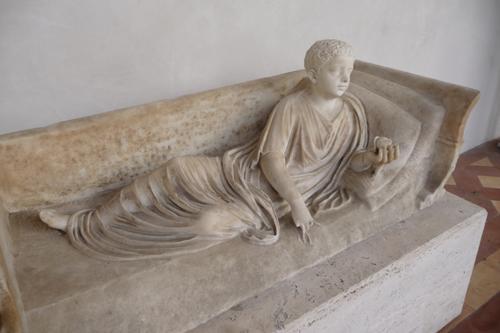 石棺も色々です~ローマ国立博物館_f0106597_6104829.jpg