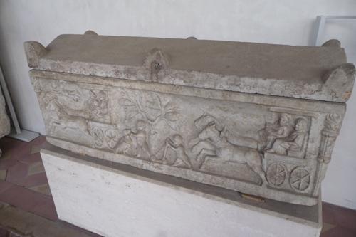 石棺も色々です~ローマ国立博物館_f0106597_654476.jpg