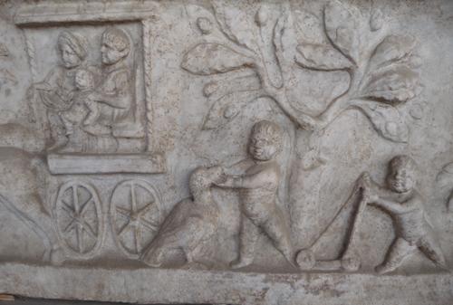 石棺も色々です~ローマ国立博物館_f0106597_694051.jpg