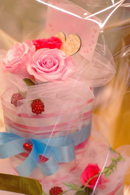 ピンクのオムツケーキ_e0171336_18315439.jpg