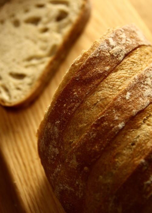 素朴な味のパン_e0155066_1323599.jpg