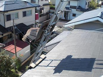 雨漏りしていた屋根の部分葺き替え~工事開始です!_d0165368_742557.jpg