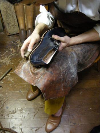 Shoe Making_b0170577_231351100.jpg