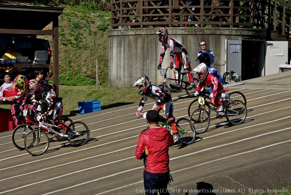 2010JBA Final Race VOL5:ノーペダルレース_b0065730_23244373.jpg