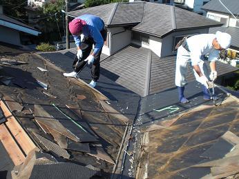 雨漏りしていた屋根の部分葺き替え~漏れ箇所は予想通りでした。_d0165368_61139.jpg