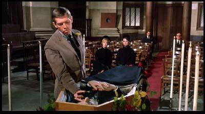 スタンリー・ドーネン監督、ヘンリー・マンシーニ音楽監督『シャレード』(1963年)_f0147840_23551914.jpg