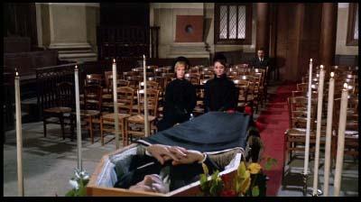 スタンリー・ドーネン監督、ヘンリー・マンシーニ音楽監督『シャレード』(1963年)_f0147840_2355287.jpg