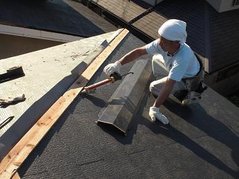 雨漏りしていた屋根の部分葺き替え~葺き替え工事完了です。_d0165368_7245590.jpg