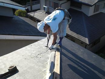 雨漏りしていた屋根の部分葺き替え~葺き替え工事完了です。_d0165368_7251351.jpg