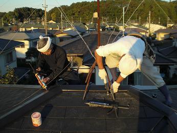 雨漏りしていた屋根の部分葺き替え~葺き替え工事完了です。_d0165368_7253054.jpg