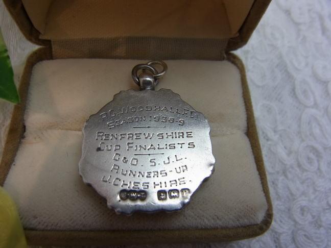 フォブ or メダル......._d0127182_16412717.jpg