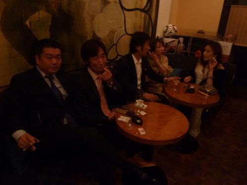 ミクニでの富裕層たちの夢の饗宴〜シャンパン、シガー/オメガ_f0039351_15254838.jpg