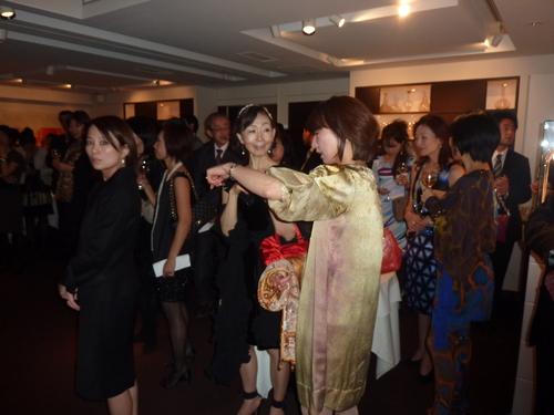 ミクニでの富裕層たちの夢の饗宴〜シャンパン、シガー/オメガ_f0039351_1595389.jpg