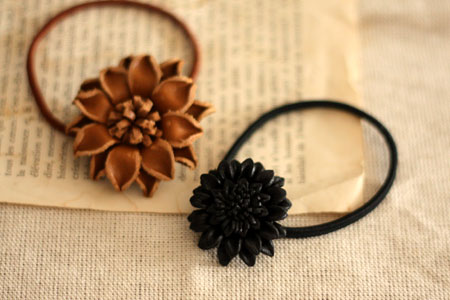 leather flower hair band_c0118809_23361022.jpg