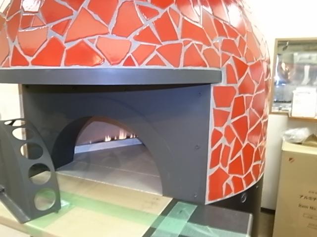 紫波ロッソ店の赤タイルピザ窯_f0104159_859305.jpg