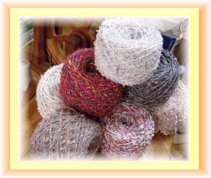 織りの手を休めて。。。ファンシー♪_c0221884_147564.jpg