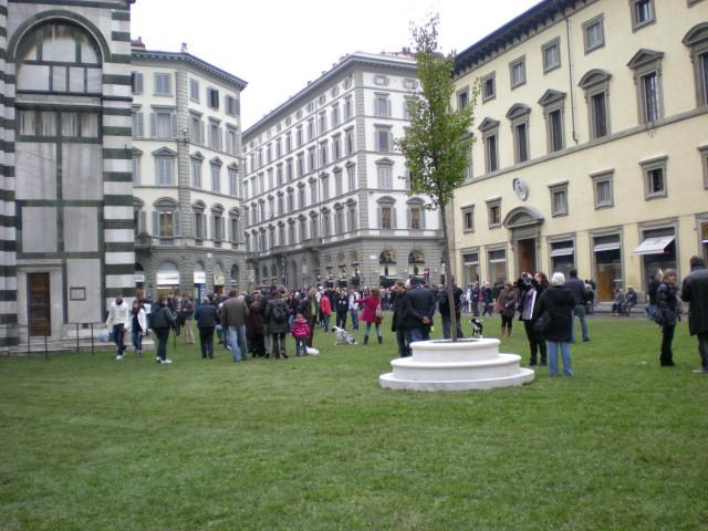 フィレンツェのDUOMO広場が!!!_c0179785_8114554.jpg