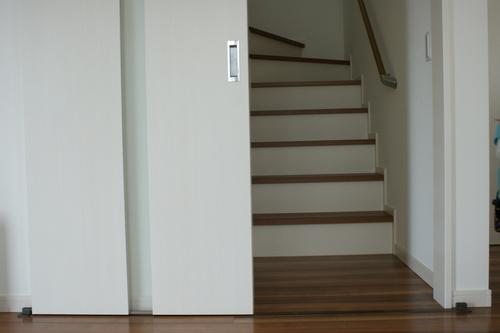 階段 扉 リビング