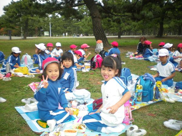 自由登園で浜寺公園へ_e0213130_1037735.jpg