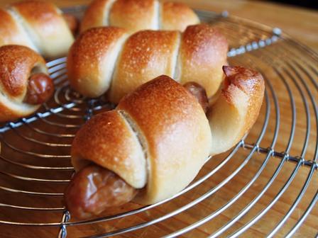 端っこスタンディングなパンと23cmシフォン型_e0167593_0301633.jpg
