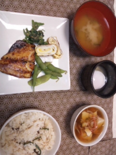 料理しましたぁ〜一時間以内で_e0114246_0473164.jpg