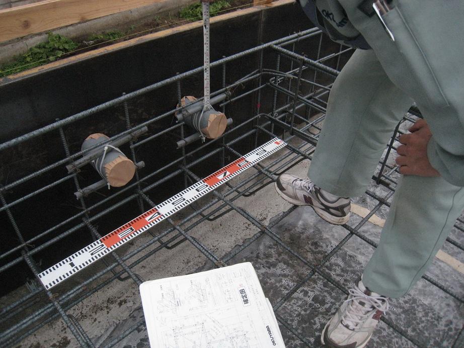 配筋検査        ~設備配管のカブリも40mm~_a0107574_1061068.jpg
