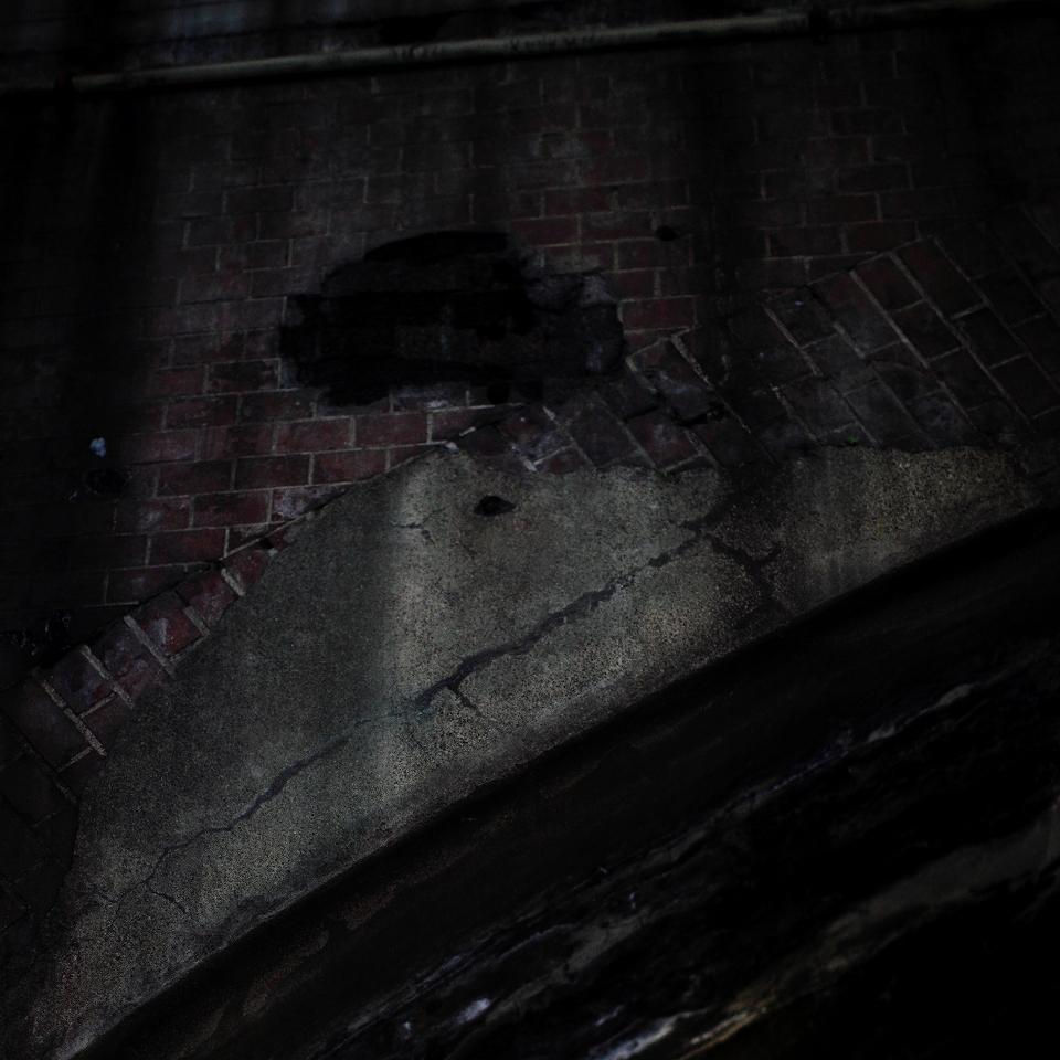 underpass (snap)_e0001789_021537.jpg