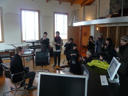 アイスランド・エアウエイブス2日目(前半):シガーロスのスタジオでヨンシーのライブ音源を初体験!他_c0003620_21494650.jpg