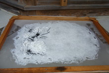 八ッ杉千年の森のイベント「和紙に炭を漉く」開催_e0061225_14105293.jpg