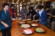 八ッ杉千年の森のイベント「和紙に炭を漉く」開催_e0061225_1421540.jpg