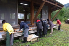 八ッ杉千年の森のイベント「和紙に炭を漉く」開催_e0061225_14904.jpg