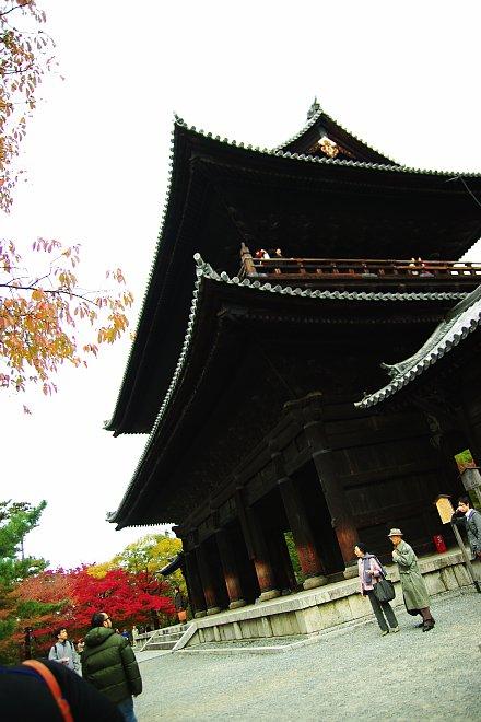 歴史を彩る紅葉     南禅寺_e0171336_0243783.jpg