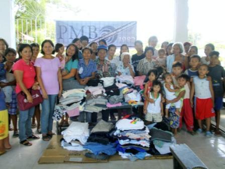 ミアガオのコミュニティーに衣類寄贈。+α_f0210568_10371634.jpg
